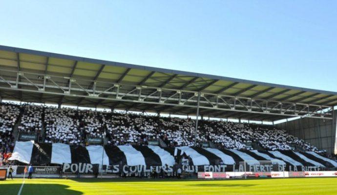 Le stade Jean-Bouin s'appelle maintenant Raymond-Kopa