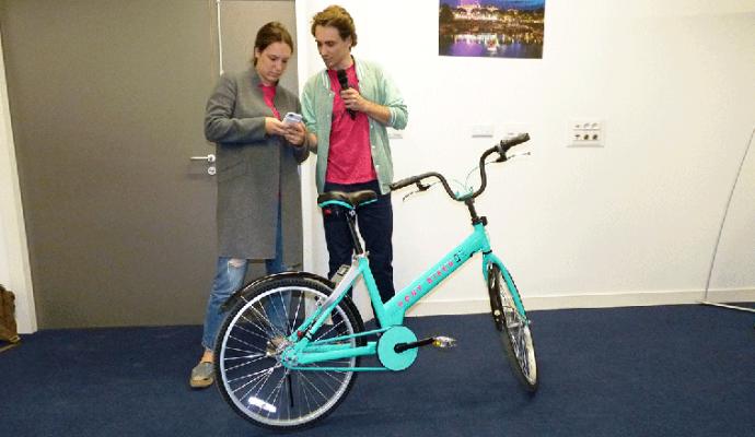 Des vélos connectés en libre-service dans les rues d'Angers