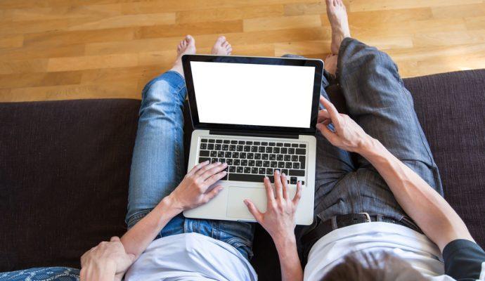 Les démarches administratives des familles angevines s'effectuent aussi en ligne