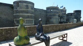 Avec les sculptures d'artistes angevins, Échappées d'art prend du volume