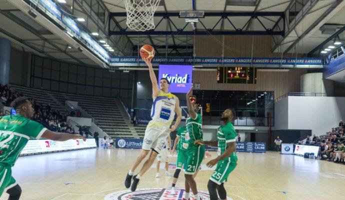 Basket : l'EAB s'impose à domicile contre Vitré