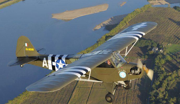 Un avion d'Espace Air Passion au 75e anniversaire du débarquement en Normandie