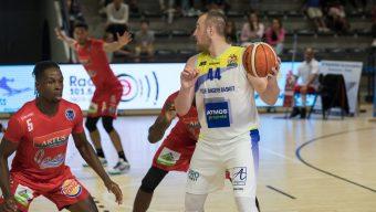 Sports : Angers SCO s'offre Saint-Etienne, l'EAB débute par une victoire