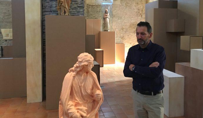 L'artiste Xavier Veilhan s'approprie la collégiale Saint-Martin