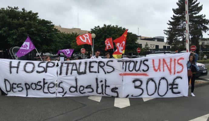 Les manipulateurs en radiologie se mettent à leur tour en grève au CHU d'Angers