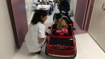 CHU d'Angers : des voitures électriques pour les jeunes patients