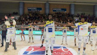 Basket : l'EAB poursuit sa belle série, l'UFAB chute pour ses débuts