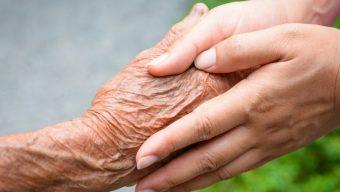 Le CHU d'Angers propose une formation gratuite destinée aux aidants