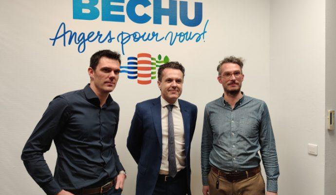 L'ancien joueur du SCO Charles Diers et le musicologue Nicolas Dufetel rejoignent Christophe Béchu