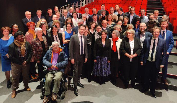 Municipales : Christophe Béchu présente l'ensemble de ses colistiers