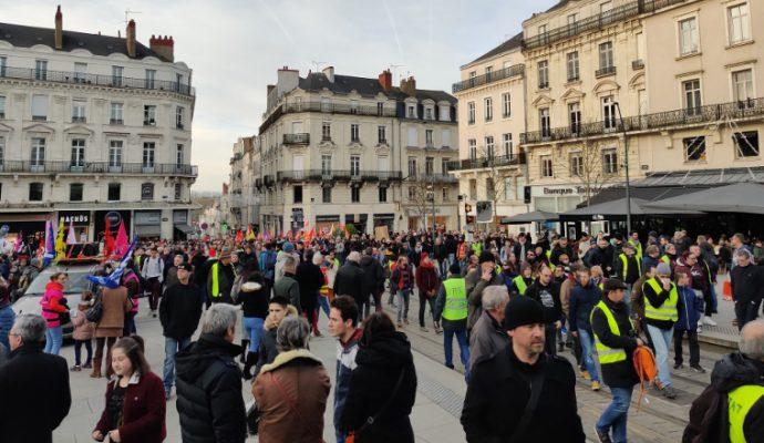 Réforme de retraites : les syndicats veulent maintenir la pression