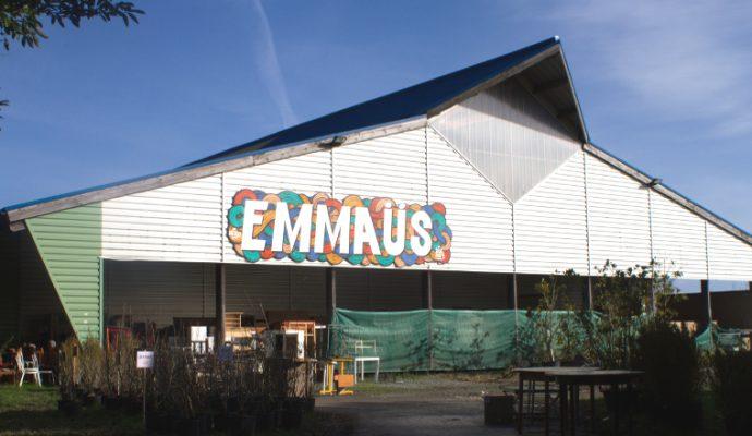 Emmaüs recherche d'anciennes menuiseries bois pour son site de Saint-Jean-de-Linières