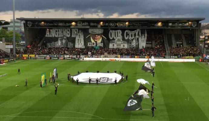 Football : la FIFA suspend sa décision d'interdire de recrutement Angers SCO