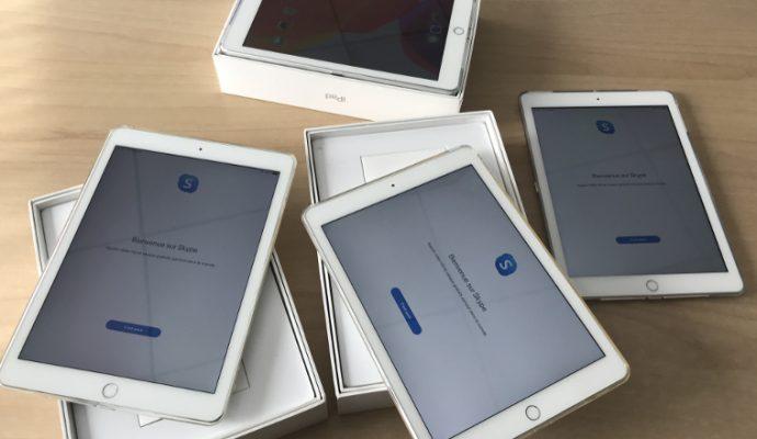 Des tablettes distribuées à des familles des quartiers prioritaires d'Angers
