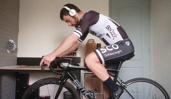 Le SCO Cyclisme Angers collecte 1000€ pour le CHU