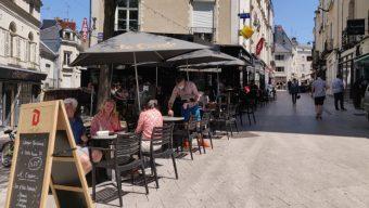 La ville autorise les bars et restaurants à étendre leur terrasse
