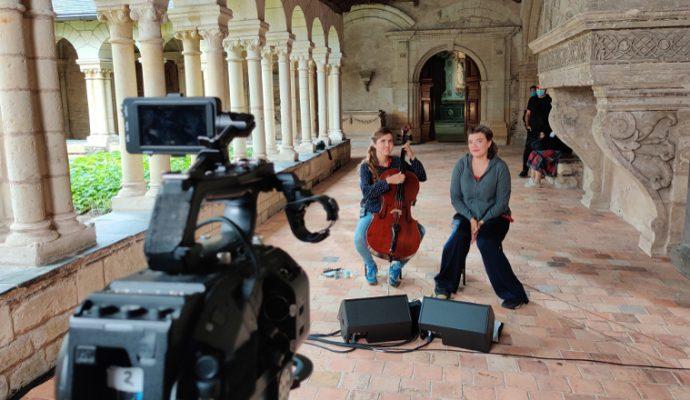 Chanteurs et musiciens enregistrent dans des lieux patrimoniaux angevins