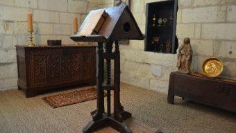Une pièce meublée au sein du château d'Angers