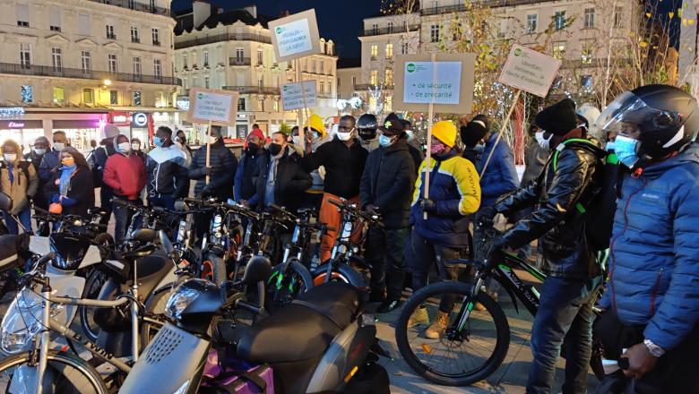 Manifestation livreurs vélo Uber Etats
