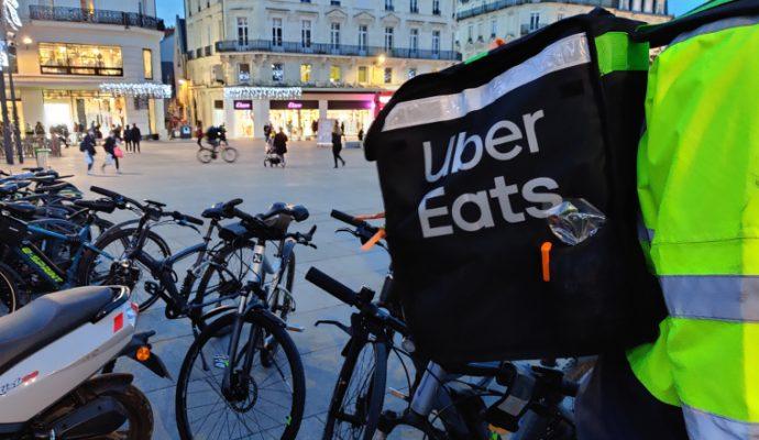 Manifestation des livreurs : Uber Eats se dit « ouvert au dialogue »