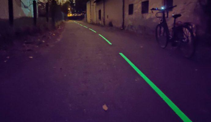 La ville d'Angers expérimente la piste cyclable luminescente