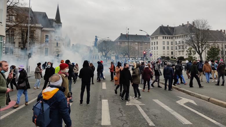 Manifestation loi sécurité globale château