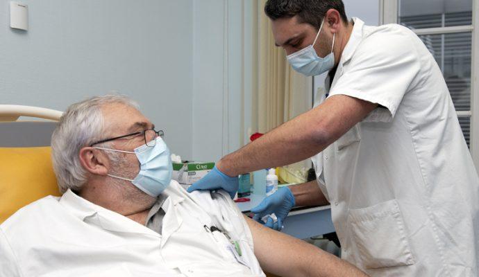 Premières vaccinations contre la Covid-19 à Angers
