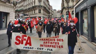 Manifestation interprofessionnelle : près de 500 personnes dans les rues d'Angers