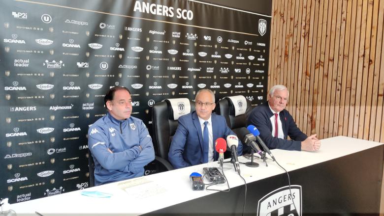 Conférence de presse départ Moulin