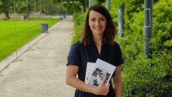 Biographe, elle recueille les histoires pour « laisser des empreintes »
