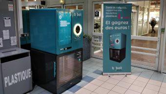 Des machines à recycler le plastique installées dans les supermarchés de la région